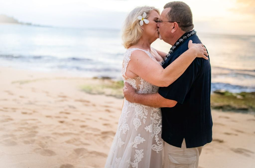 Couple Photography: The Magic of Vow Renewal in Hawaii