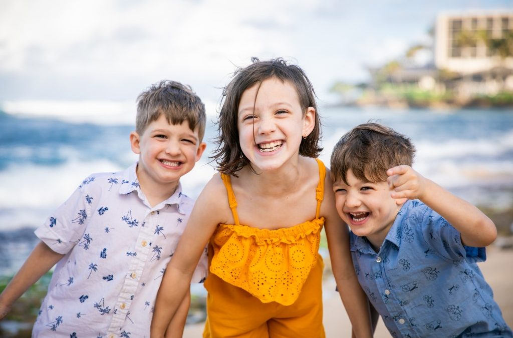Family Photography: Twin Power at Turtle Bay Resort